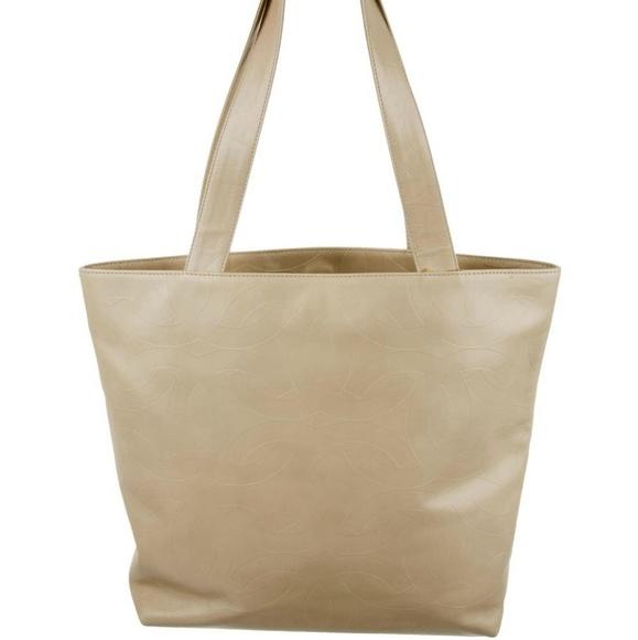 CHANEL Handbags - Chanel Vintage Cream Leather Rare CC Tote Bag